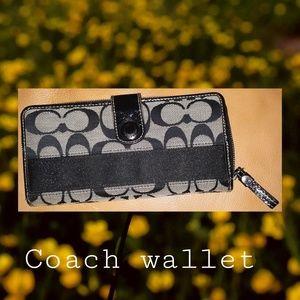 Coach wallet black